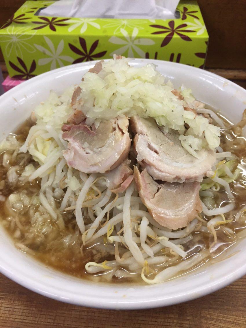 ラーメン麺徳 東上野店 – 豚入り大ラーメン